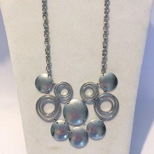 Jewelry - Cool & Unique Silver tone statement necklace